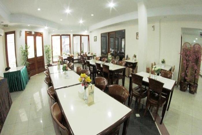 Hotel Puri Mega Jakarta - Ruang makan