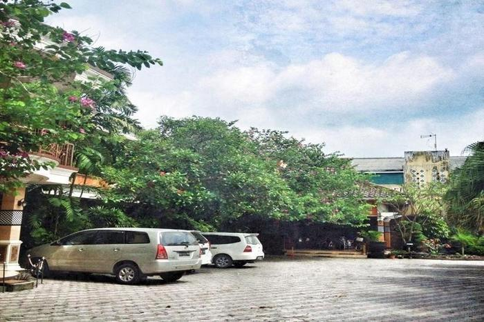 Patria Plaza Hotel Blitar - Area Parkir