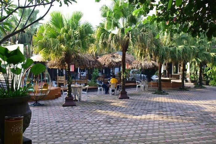Patria Plaza Hotel Blitar - Eksterior