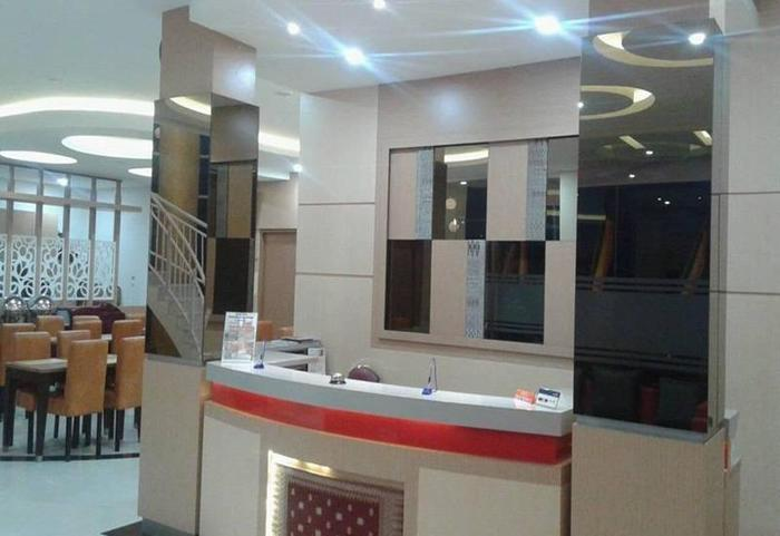 Hotel Mersi Padang - Resepsionis