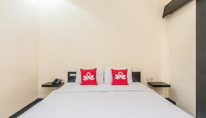 ZenRooms Legian Gang Cempaka Bali - Tampak tempat tidur double