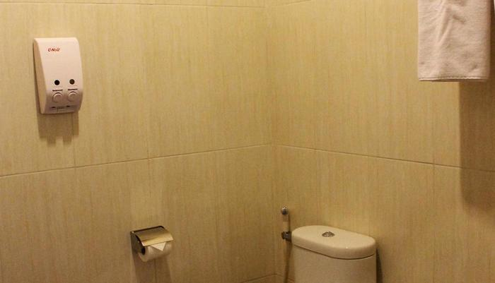 Dinasty Hotel Solo - Kamar Mandi