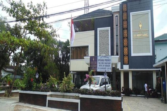 Lembasung Hotel Tarakan - Tampilan Luar Hotel