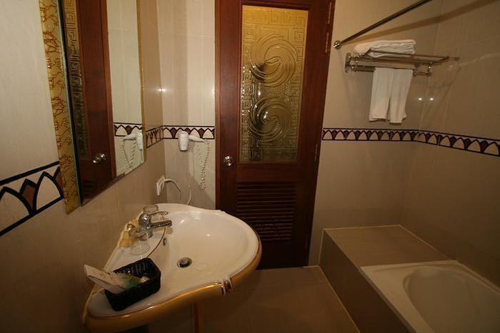 The Grand Palace Hotel Malang Malang - Kamar Mandi ( Executive Suite Room )