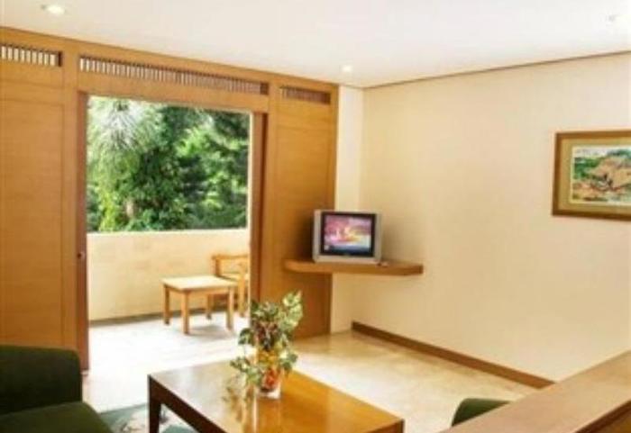 The Cipaku Garden Hotel Bandung - Living Room
