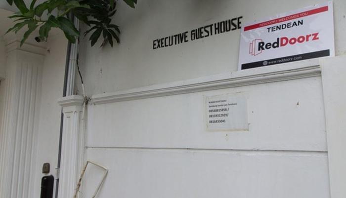RedDoorz @Tendean Jakarta - Exterior