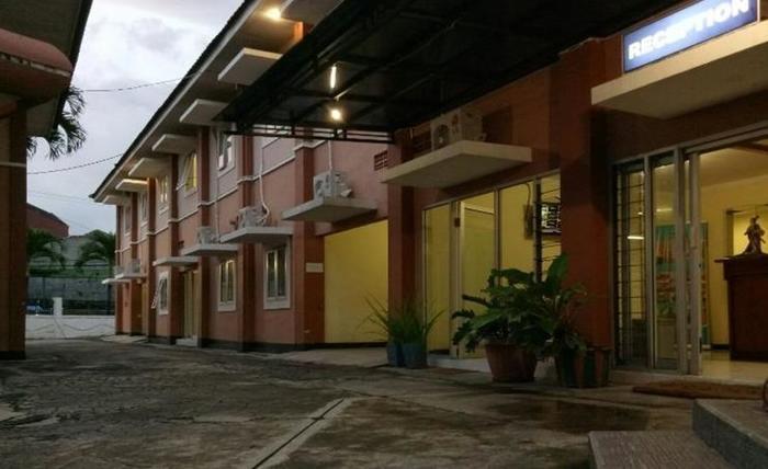 Terletak Di Lowokwaru Malang Hotel Pelangi Dua Menyediakan Pelayanan Yang Ramah Dan Fasilitas Modern Kami Menjamin Masa Menginap Menyenangkan Bagi