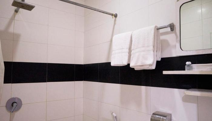 Hotel Candi Medan - Executive Bathroom