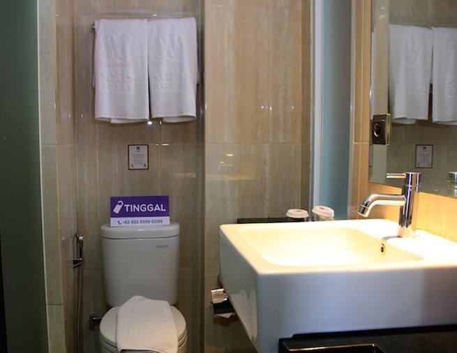 Tinggal Standard at Falatehan Blok M - Kamar mandi
