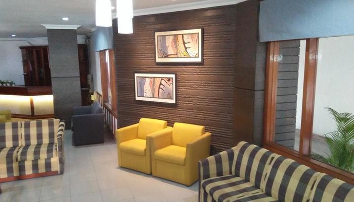 Karmila Hotel Bandung - Lobby