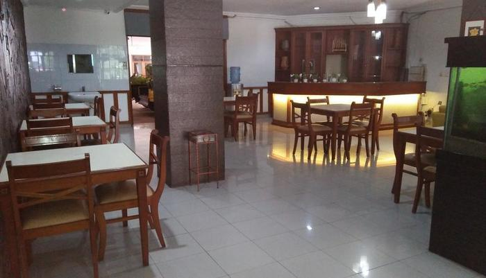 Karmila Hotel Bandung - Restaurant
