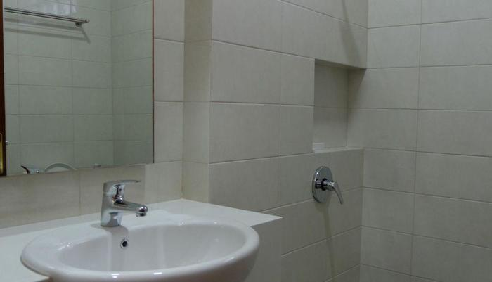 Karmila Hotel Bandung - bathroom