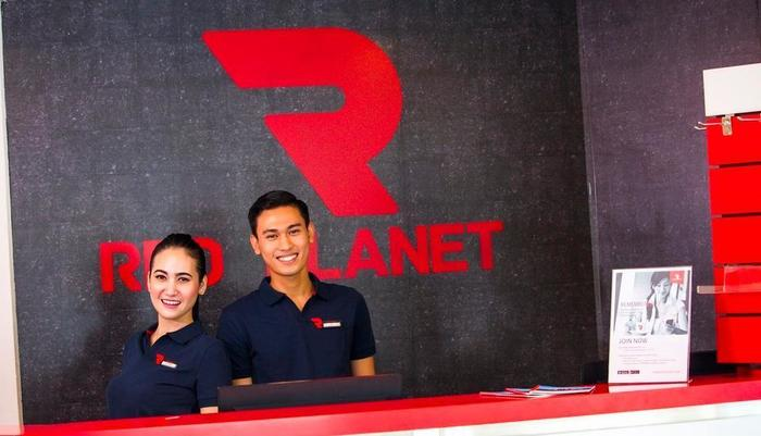 Red Planet Makassar - Staff