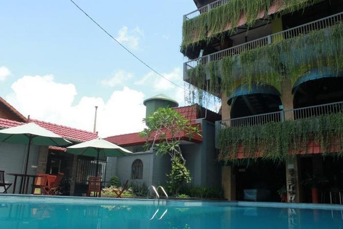 Airlangga Hotel & Restaurant Yogyakarta - Kolam Renang