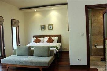Grand Avenue Bali - Kamar Deluxe