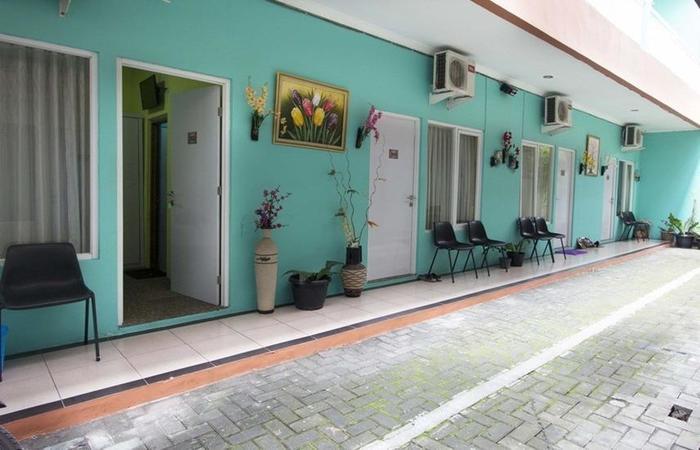 RedDoorz near Plaza Ambarukmo Yogyakarta - Kamar