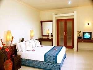 Mirah Hotel Banyuwangi - 2 Bedroom Suite Villa Bedroom