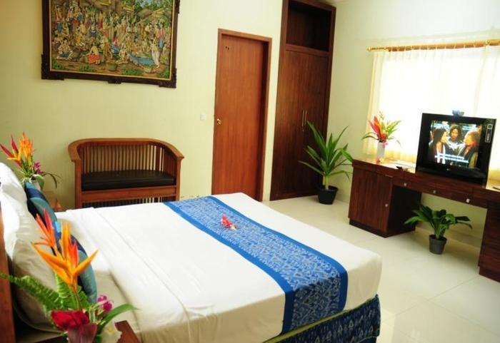 Mirah Hotel Banyuwangi - Superior Bungalow