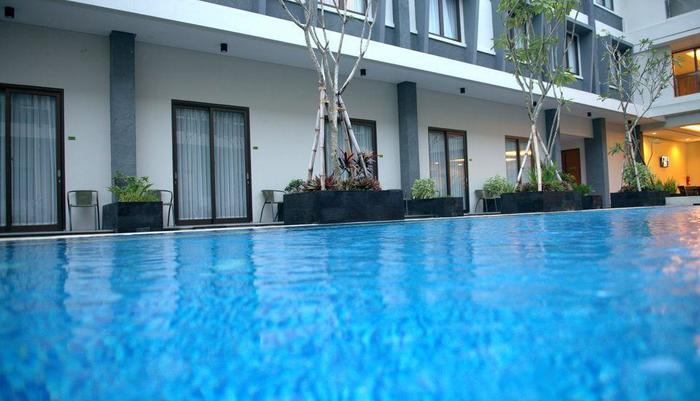 Dpraya Lombok Hotel Lombok - Kolam Renang