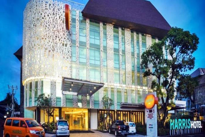 HARRIS Hotel Raya Kuta Bali - bangunan depan