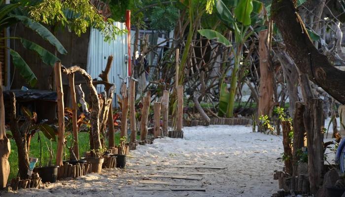Serene Beach Villa Gili Trawangan - villa pantai tenang
