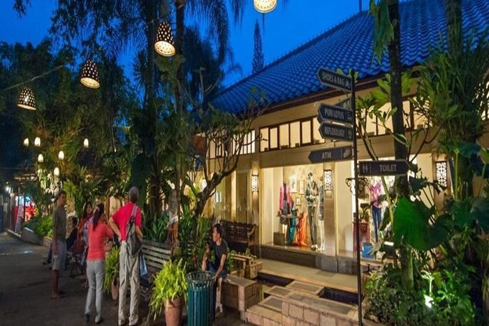 Noor Hotel Bandung - Surrounding Area
