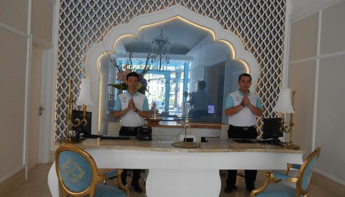 Noor Hotel Bandung - Receptionist