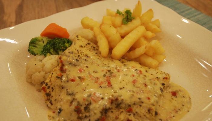 Noor Hotel Bandung - Food