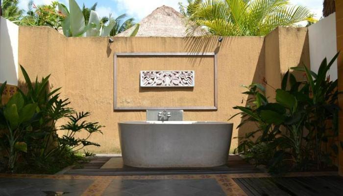 Tinggal Premium Resort Ubud Raya Pengosekan Bali - bak mandi