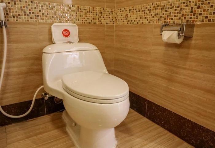 NIDA Rooms Pasar Segar Complex Makassar - Kamar mandi