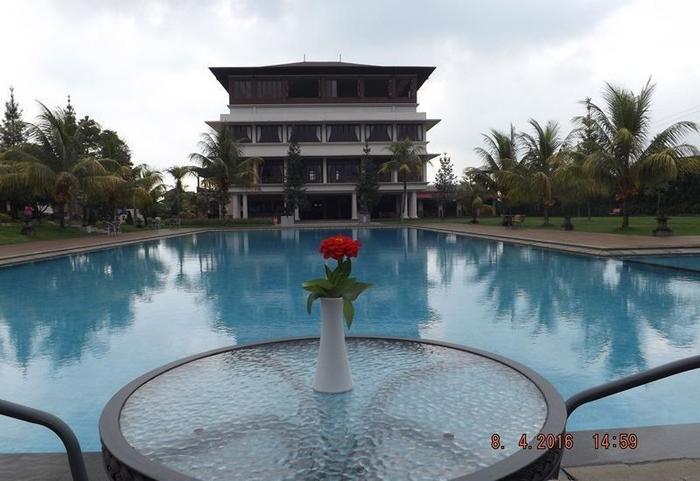 Jimmers Mountain Resort Bogor - Kolam Renang