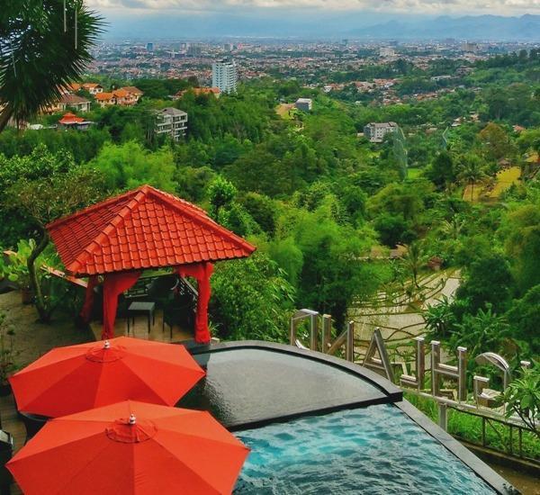 Dago Highland Resort Bandung - Kolom Renang