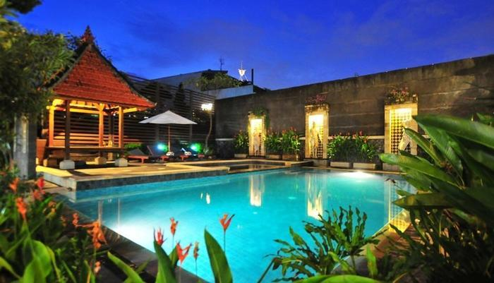 Sandat Hotel Legian - Pool