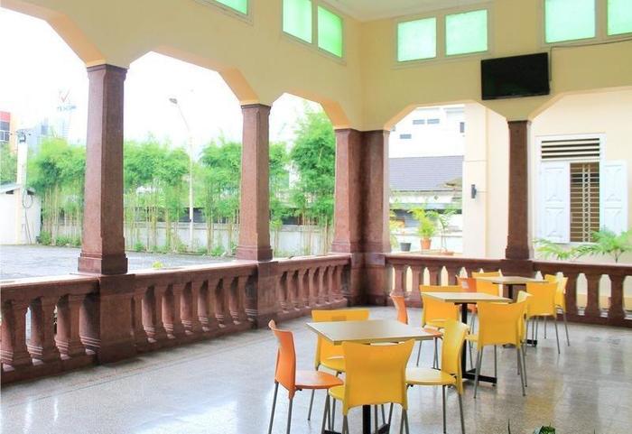 NIDA Rooms Semarang MT Haryono - Ruang tamu
