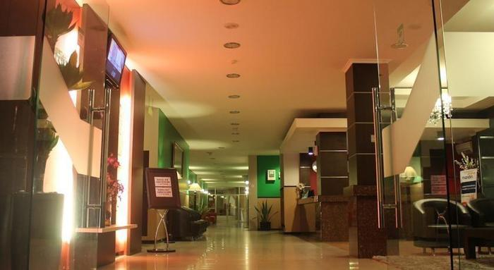 Hotel Zahra Kendari - Interior