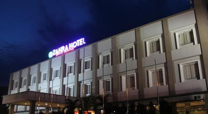 Hotel Zahra Kendari - Tampilan Luar Hotel