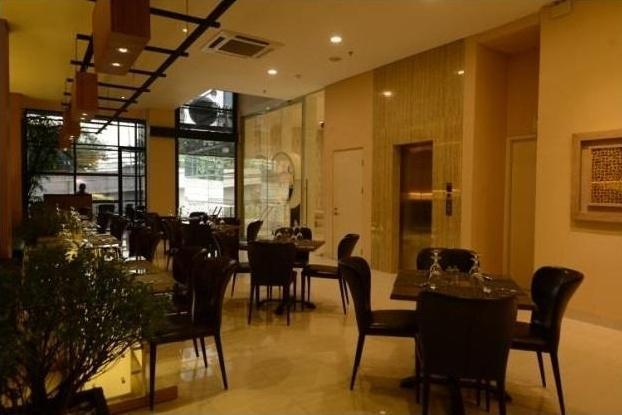 D'Cozie Hotel by Prasanthi Jakarta - (05/Aug/2014)