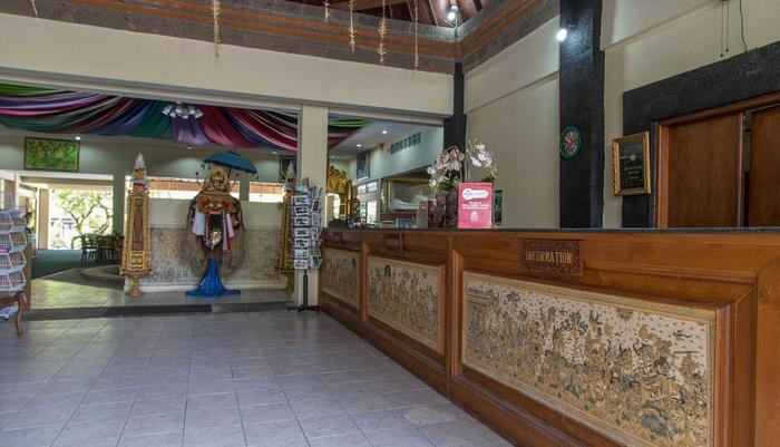 ZenRooms Jimbaran Pantai Kedonganan Bali - Resepsionis
