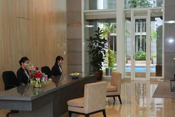 Fraser Residence Sudirman Jakarta - Living Room
