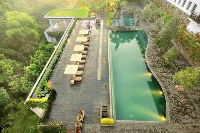 Padma Hotel Bandung - Featured Image