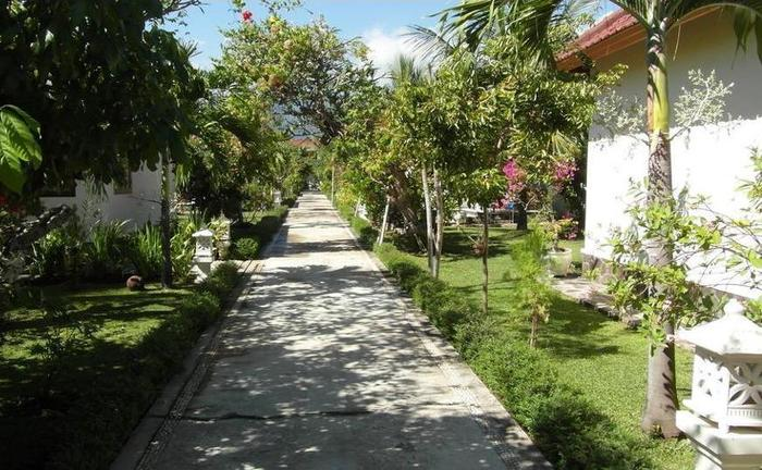 Starlight Restaurant & Bungalows Bali - Property Grounds