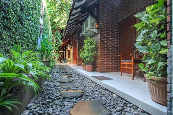 Delta Homestay Yogyakarta - Bathroom