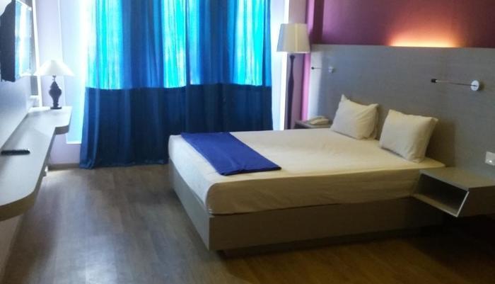 Hotel Kharisma 2 Madiun Madiun - Suite Room