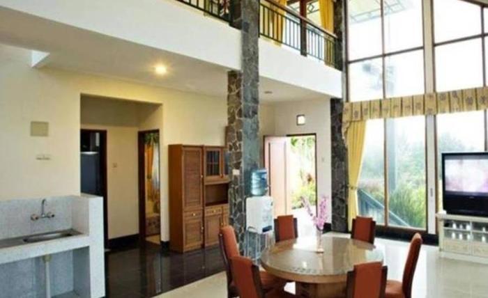 Villa Gerbera II Istana Bunga Lembang Bandung - Interior