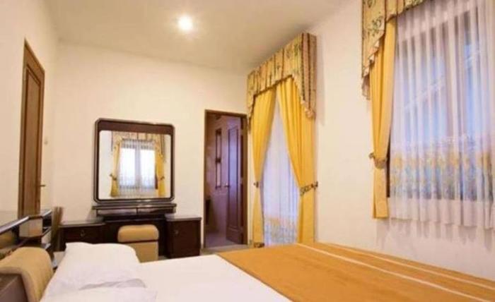 Villa Gerbera II Istana Bunga Lembang Bandung - Kamar tamu