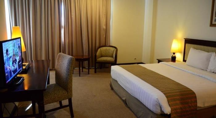 M Regency Makassar - Room