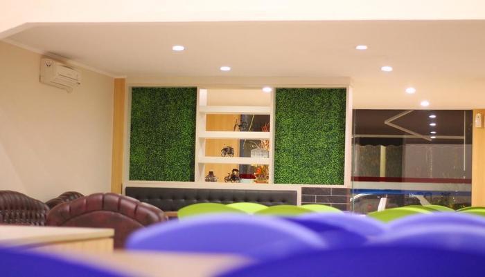 C Hotel Cirebon Cirebon - Resto