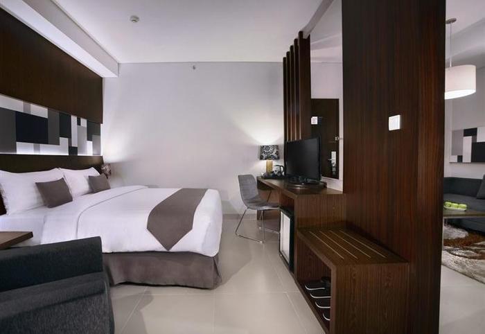 Neo  Denpasar - Suite
