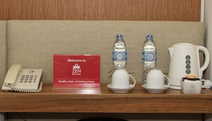 ZenRooms Petojo Jakarta - Fasilitas teh dan kopi