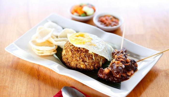 Swiss-Belhotel Belexpress Kuta Legian Bali - Food